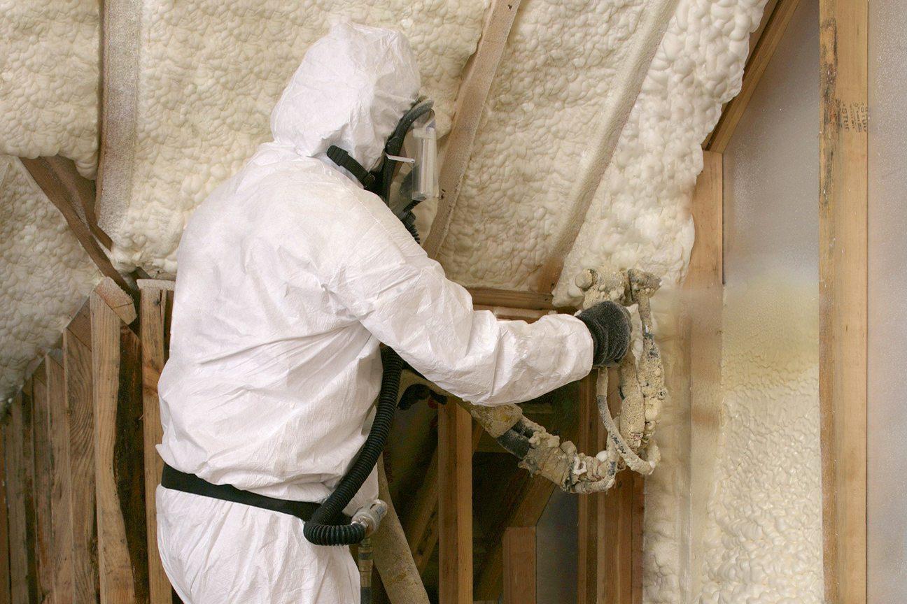 распыляемый утеплитель для стен